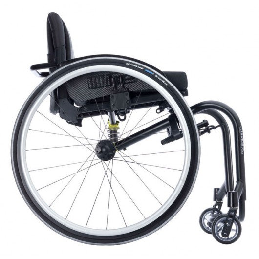Fauteuil_roulant_Kuschall_R33
